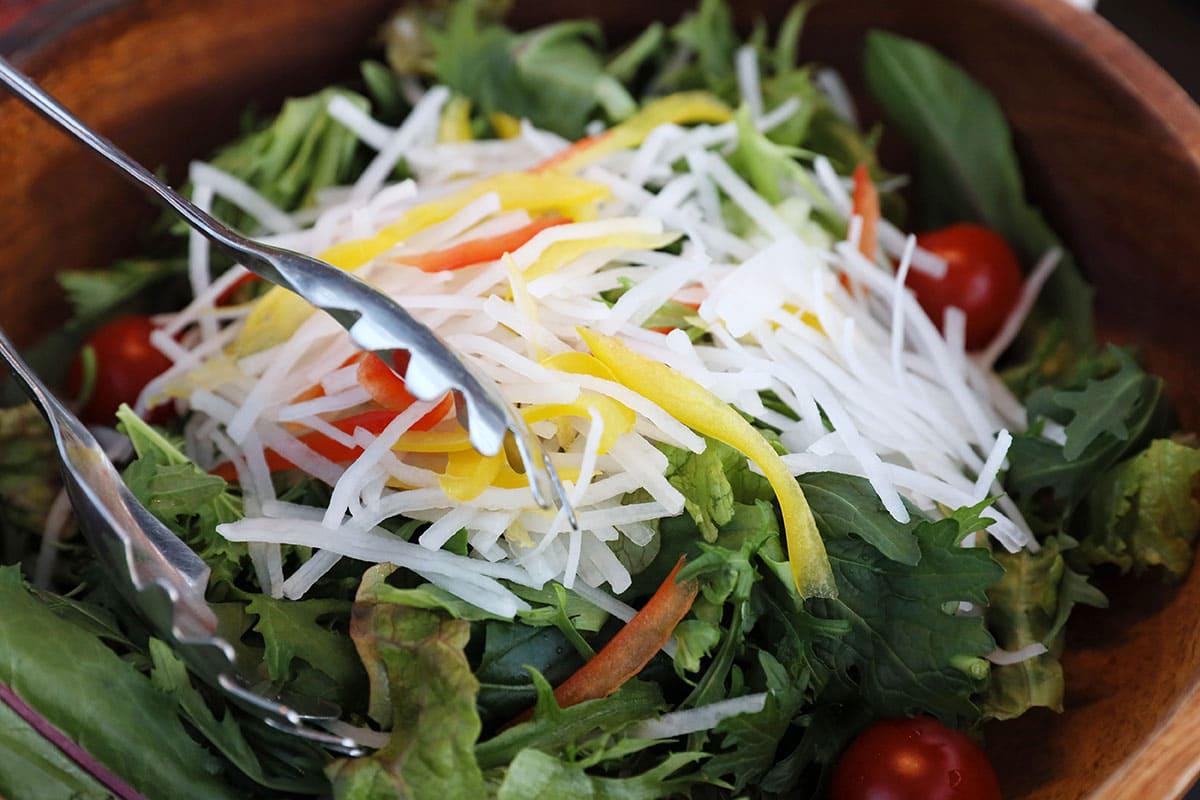 彩どり野菜のサラダ